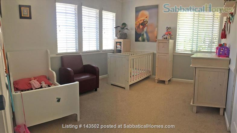 Beautiful 4 bedroom, 2 1/2 bath house with a garden, play structure, furnished  Home Rental in Davis, California, United States 7