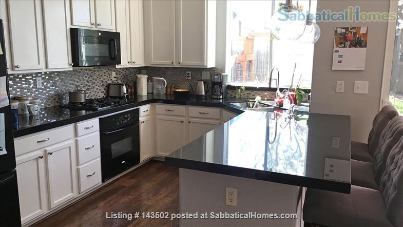 Beautiful 4 bedroom, 2 1/2 bath house with a garden, play structure, furnished  Home Rental in Davis, California, United States 8