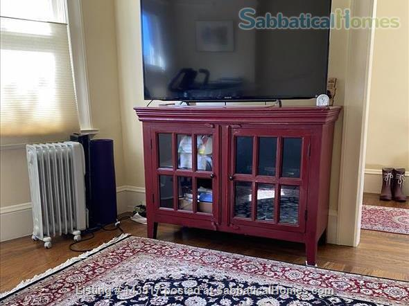 Charming Furnished 2-bedroom, best neighborhood, near campus Home Rental in Oakland, California, United States 3