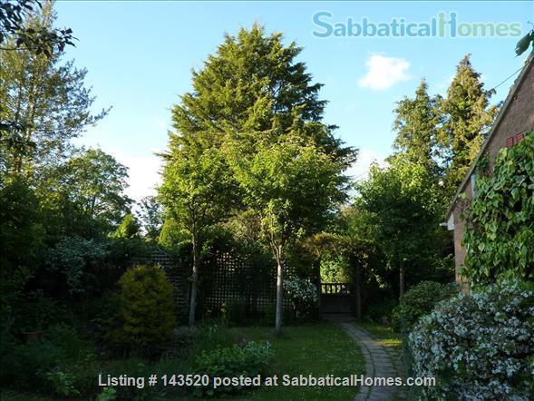 Cosy private studio in idyllic garden, Oxford Home Rental in Marston, England, United Kingdom 0