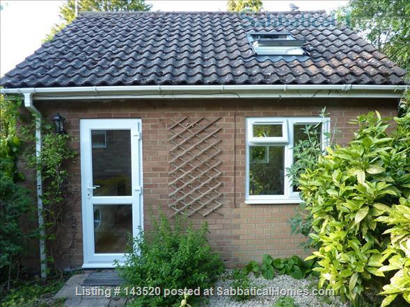 Cosy private studio in idyllic garden, Oxford Home Rental in Marston, England, United Kingdom 3