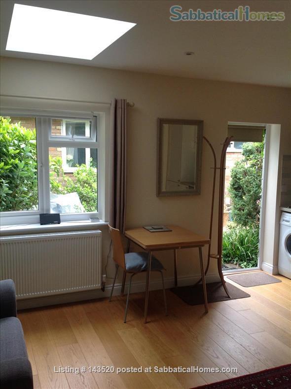 Cosy private studio in idyllic garden, Oxford Home Rental in Marston, England, United Kingdom 4