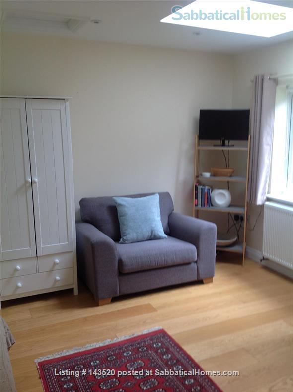 Cosy private studio in idyllic garden, Oxford Home Rental in Marston, England, United Kingdom 7