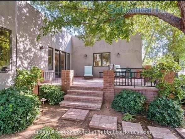 Large House on 1 acre in North Central Phoenix - 5 bdr, 6 bath, pool, guest house, everything you want. Home Rental in Phoenix, Arizona, United States 2
