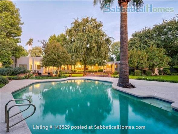 Large House on 1 acre in North Central Phoenix - 5 bdr, 6 bath, pool, guest house, everything you want. Home Rental in Phoenix, Arizona, United States 8