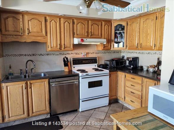 Lower duplex, 4 bedrooms - South West ALL INCLUDED Home Rental in Montréal, Québec, Canada 7