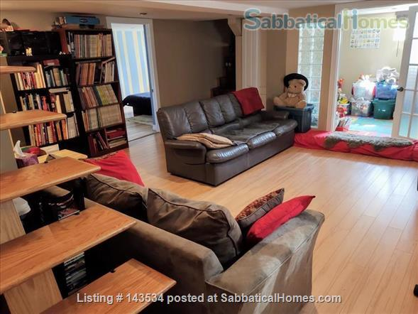 Lower duplex, 4 bedrooms - South West ALL INCLUDED Home Rental in Montréal, Québec, Canada 8