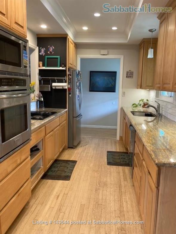Family Friendly Home in Pleasant Hill Home Rental in Pleasant Hill, California, United States 2