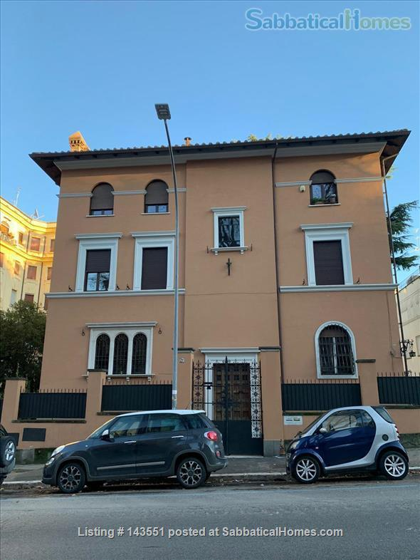 House with garden in Trastevere Home Rental in Rome, Lazio, Italy 9
