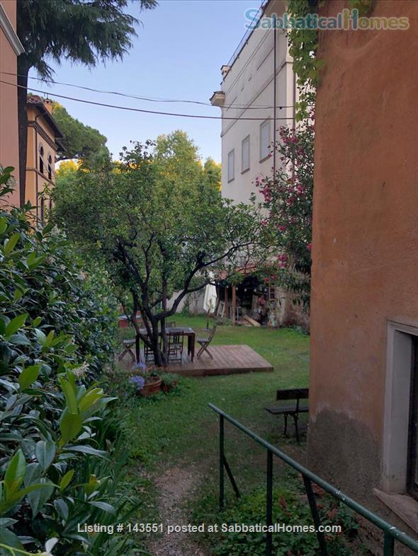 House with garden in Trastevere Home Rental in Rome, Lazio, Italy 8