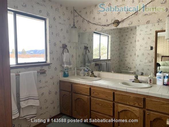LAKE VIEWS Tahoe Keys Home 3br 2.5 ba. HOT TUB. Summer 2021. New appliances Home Rental in South Lake Tahoe, California, United States 9