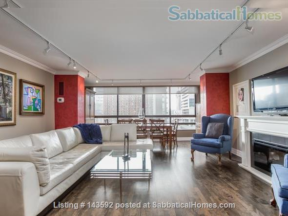 Downtown Toronto - Prime Location - Spacious Tastefully Furnished & Fully Equipped Home Rental in Toronto, Ontario, Canada 4