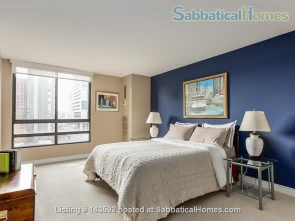 Downtown Toronto - Prime Location - Spacious Tastefully Furnished & Fully Equipped Home Rental in Toronto, Ontario, Canada 7