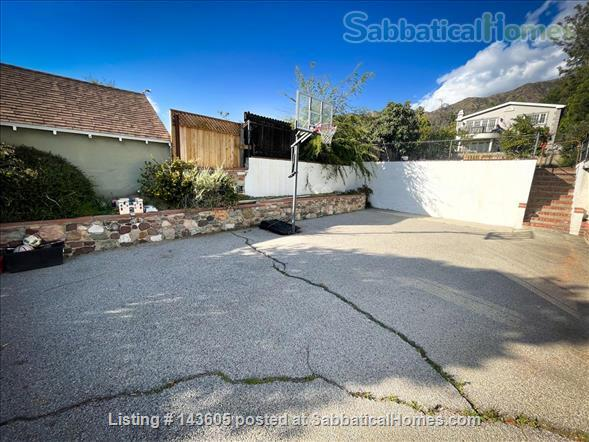 3BR/2BA on massive 13,000 sq ft property near downtown Burbank Home Rental in Glendale, California, United States 9