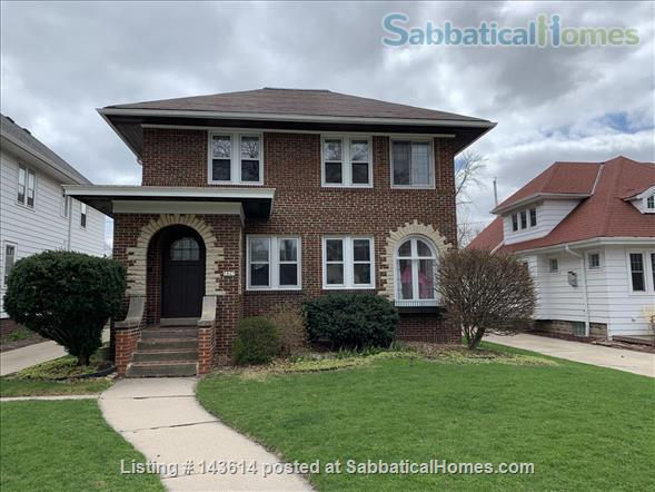 Bright renovated 3BR in Shorewood Home Rental in Shorewood, Wisconsin, United States 1