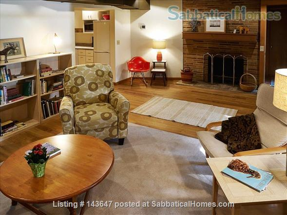 Urban Apartment in the Woods Home Rental in Madison, Wisconsin, United States 1