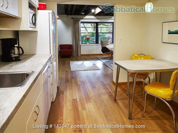 Urban Apartment in the Woods Home Rental in Madison, Wisconsin, United States 3