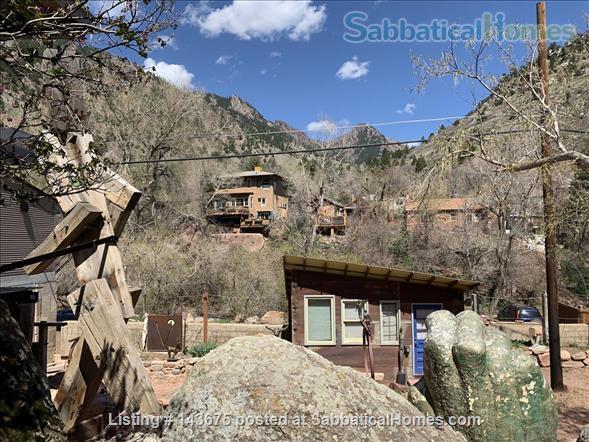 Gorgeous Casita in Art Center at the foot of Eldorado Canyon Home Rental in Eldorado Springs, Colorado, United States 2
