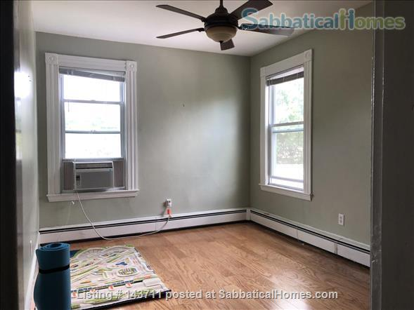 Top Floor New England charm 1BR 1BATH Home Rental in Cambridge, Massachusetts, United States 2