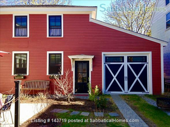 Spacious 2 BR cottage, steps from town and Bowdoin Home Rental in Brunswick, Maine, United States 1