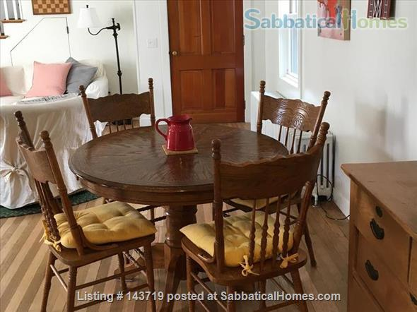 Spacious 2 BR cottage, steps from town and Bowdoin Home Rental in Brunswick, Maine, United States 2