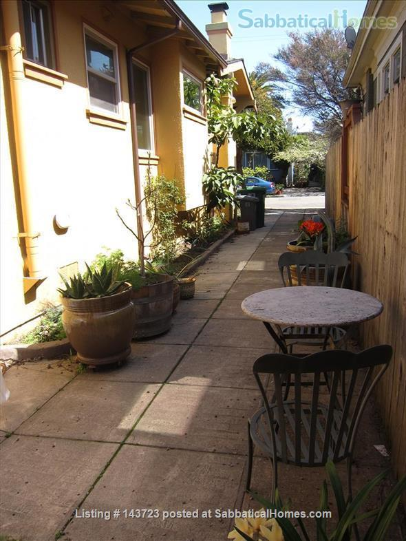 Sunny and Adorable Furnished 2-Bed Crafstman Home Rental in Berkeley, California, United States 9