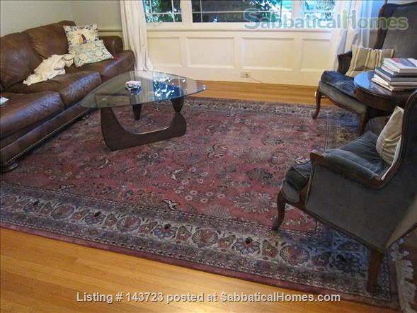 Sunny and Adorable Furnished 2-Bed Crafstman Home Rental in Berkeley, California, United States 2