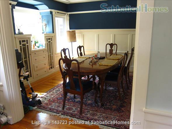 Sunny and Adorable Furnished 2-Bed Crafstman Home Rental in Berkeley, California, United States 3