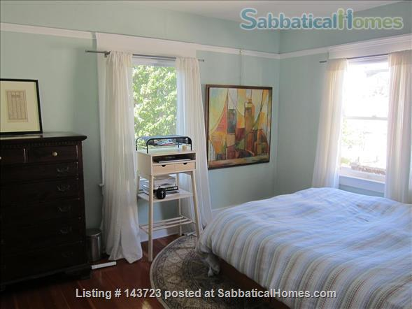 Sunny and Adorable Furnished 2-Bed Crafstman Home Rental in Berkeley, California, United States 5