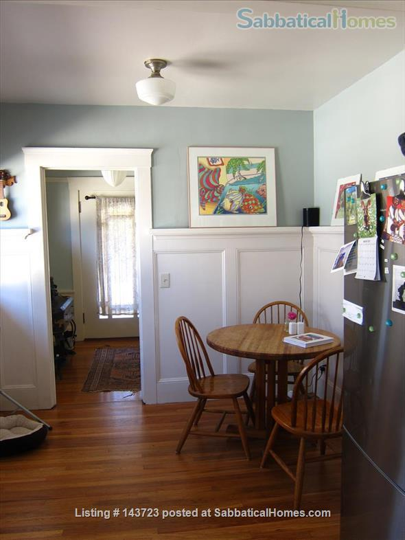 Sunny and Adorable Furnished 2-Bed Crafstman Home Rental in Berkeley, California, United States 7