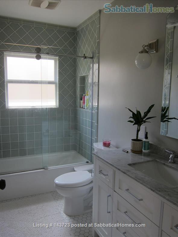 Sunny and Adorable Furnished 2-Bed Crafstman Home Rental in Berkeley, California, United States 8