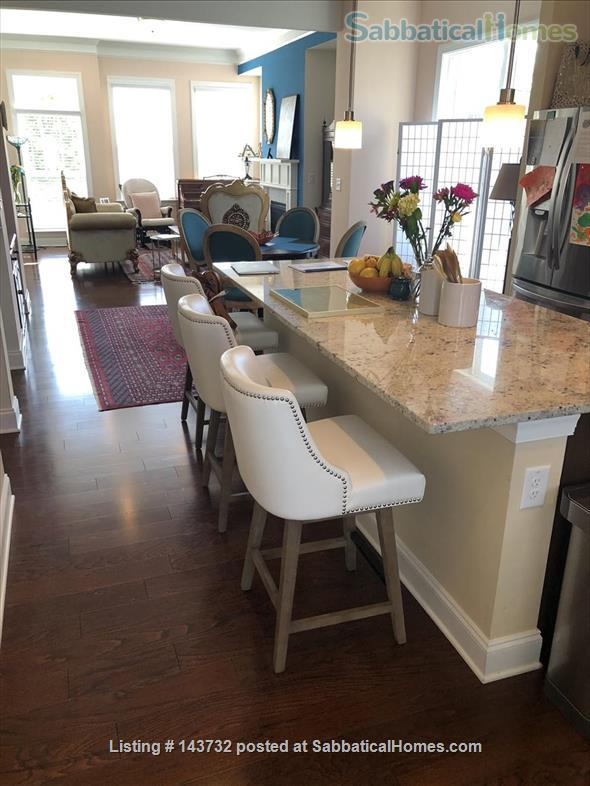 Bright & Luxurious End-Unit Townhome in Morningside Home Rental in Atlanta, Georgia, United States 8