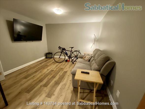 Modern and bright single-family home in Greystone Village (Ottawa, Canada) Home Rental in Ottawa, Ontario, Canada 9