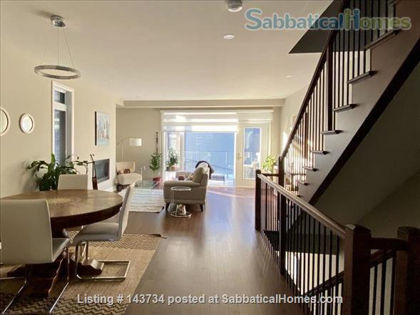 Modern and bright single-family home in Greystone Village (Ottawa, Canada) Home Rental in Ottawa, Ontario, Canada 2