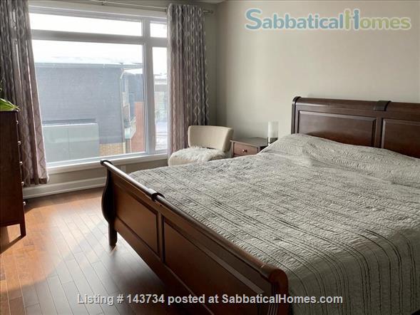 Modern and bright single-family home in Greystone Village (Ottawa, Canada) Home Rental in Ottawa, Ontario, Canada 5