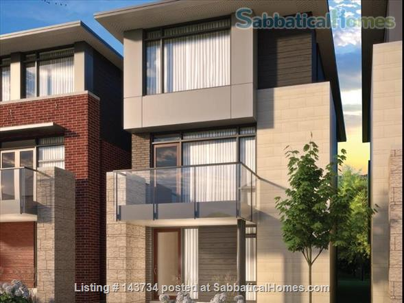 Modern and bright single-family home in Greystone Village (Ottawa, Canada) Home Rental in Ottawa, Ontario, Canada 6