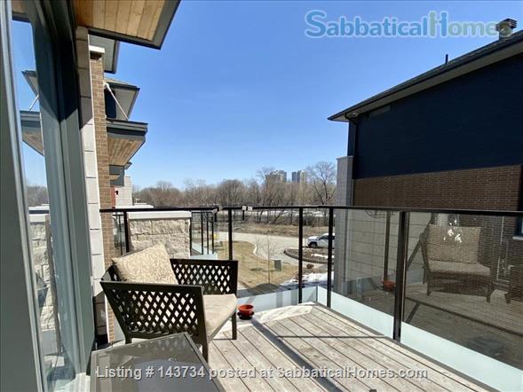 Modern and bright single-family home in Greystone Village (Ottawa, Canada) Home Rental in Ottawa, Ontario, Canada 7