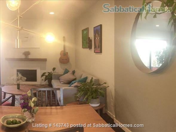 Delightful 2-bedroom home with pool  Home Rental in Davis, California, United States 2