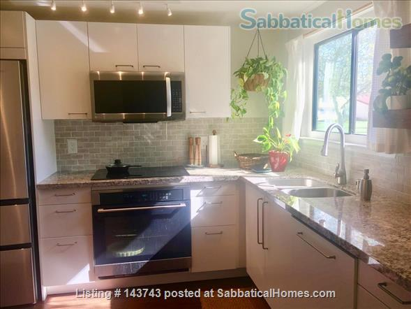 Delightful 2-bedroom home with pool  Home Rental in Davis, California, United States 4