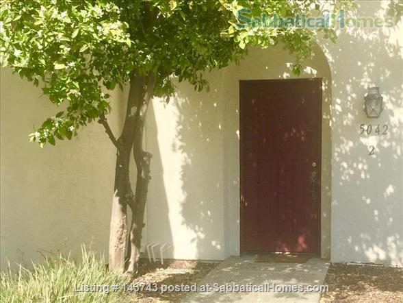 Delightful 2-bedroom home with pool  Home Rental in Davis, California, United States 5