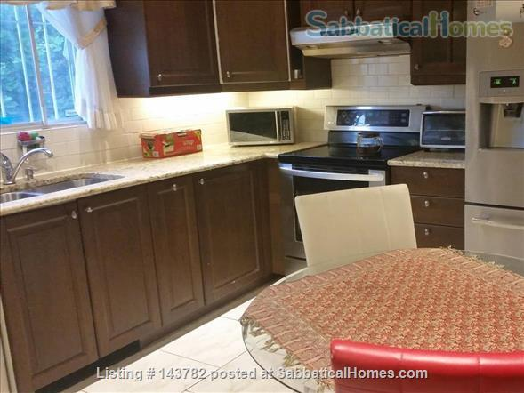 Beautiful Furnished House with 4 bedrooms and 2 bath, Utilities included,  interior parking  Home Rental in Côte Saint-Luc, Quebec, Canada 4
