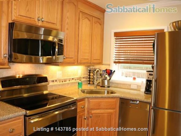 Heart of Elmwood 1 Bedroom~Location is Everything! All Inclusive Turnkey! Home Rental in Berkeley, California, United States 1