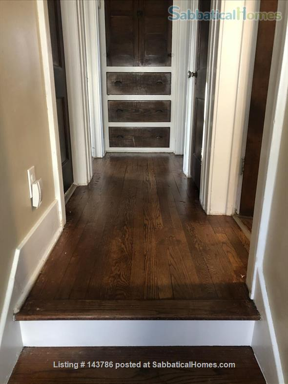 Cozy, updated 2BR near (<3mi) downtown and campus Home Rental in Lansing, Michigan, United States 3