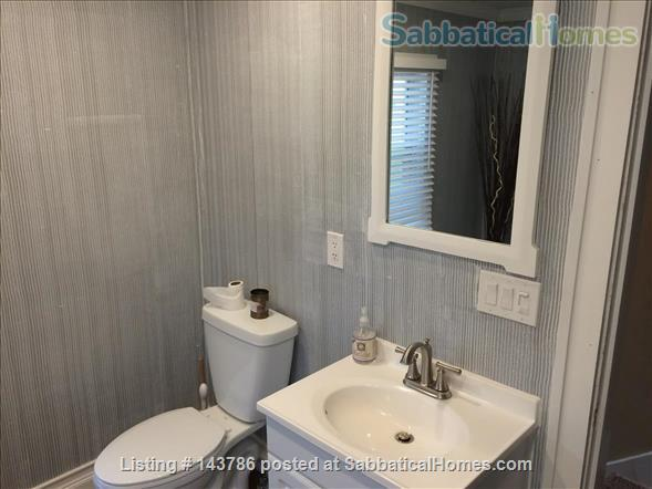 Cozy, updated 2BR near (<3mi) downtown and campus Home Rental in Lansing, Michigan, United States 4