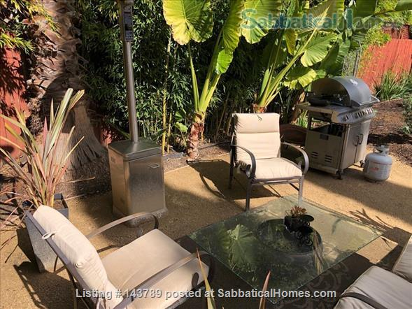 Charming State of the Art Cottage in Tropical Setting Home Rental in Redwood City, California, United States 7