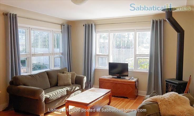 Guest House in Courtenay's Old Orchard Home Rental in Courtenay, British Columbia, Canada 1