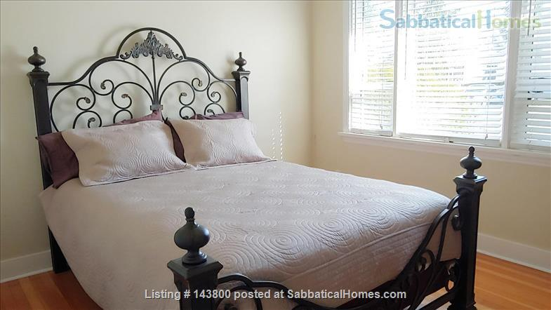 Guest House in Courtenay's Old Orchard Home Rental in Courtenay, British Columbia, Canada 3