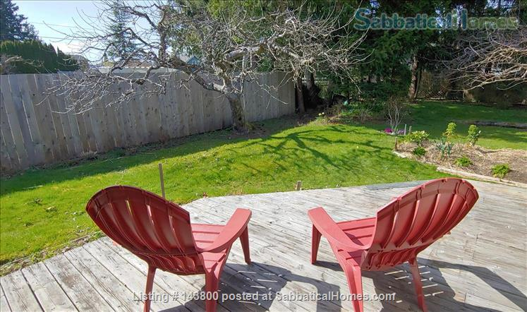 Guest House in Courtenay's Old Orchard Home Rental in Courtenay, British Columbia, Canada 8