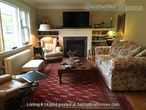 Comfortable home in a leafy urban neighbourhood of Ottawa Home Rental in Ottawa, Ontario, Canada 3