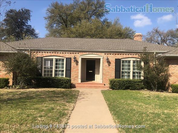 Beautiful Home in Waco, Texas Home Rental in Waco, Texas, United States 1